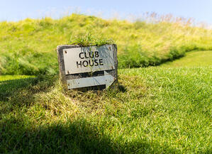 Club house golf sign